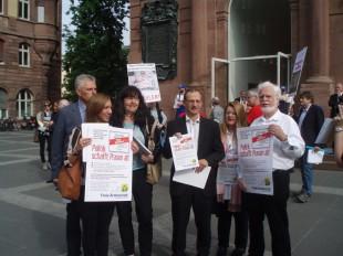 Flyer-Aktion beim Deutschen Ärztetag 2015 in Frankfurt am Main (Foto: Freie Ärzteschaft)